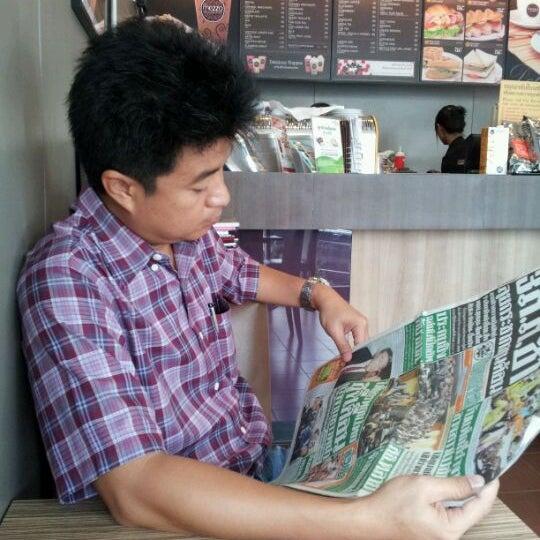 Photo taken at Mezzo by Nong Pin K. on 5/31/2012