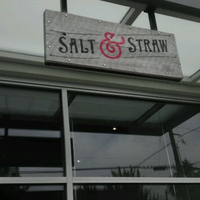Das Foto wurde bei Salt & Straw von Tay W. am 6/4/2012 aufgenommen