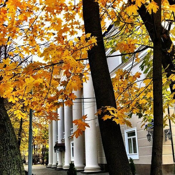 Снимок сделан в Щемиловский детский парк пользователем Max 10/25/2011