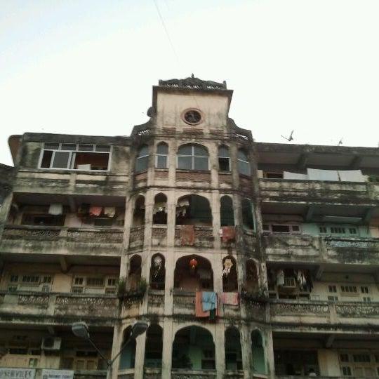 Photo taken at Dadar Railway Station by Vinod B. on 12/11/2011