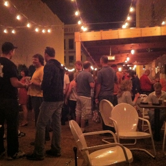 Photo taken at Peabody's Ale House by Amanda S. on 9/29/2011