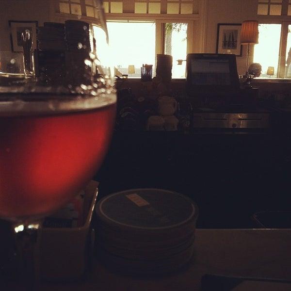 รูปภาพถ่ายที่ Casa Del Mar Hotel โดย Matt D. เมื่อ 11/14/2011