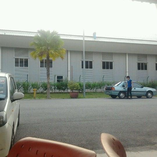 Photo taken at Fakulti Kejuruteraan Pembuatan UTeM by Muhammad U. on 6/18/2012