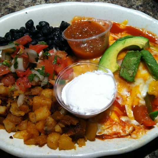 Photo taken at Eggs In the City by Juna D. on 1/28/2012