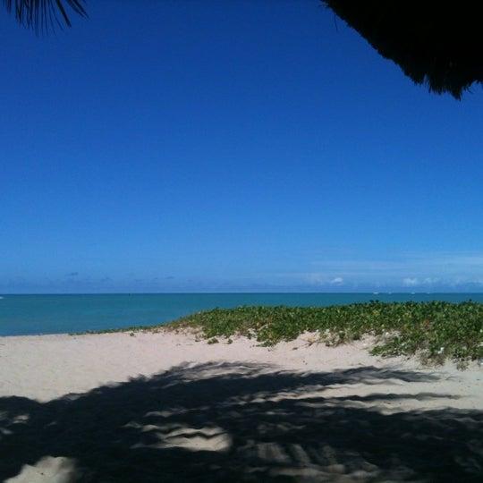 Foto tirada no(a) Praia de Guaxuma por Layse E. em 5/19/2012