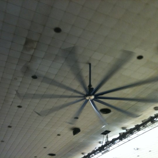 Photo taken at Memorial Coliseum by Paul R. on 11/15/2011