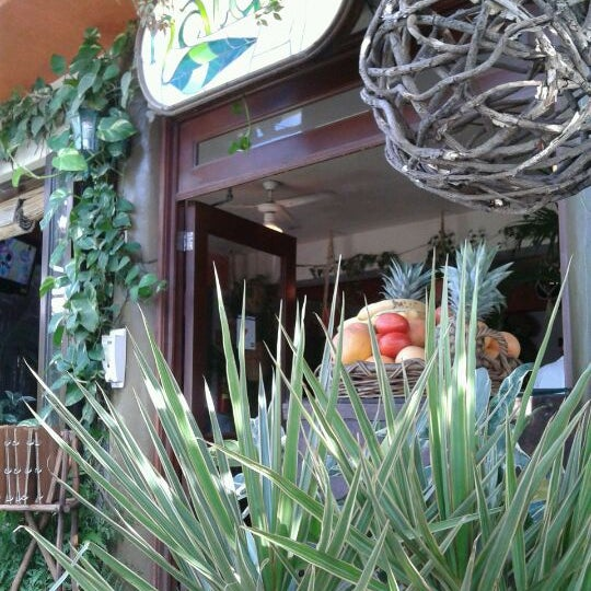 Foto tomada en Natura por Cesar H. el 2/17/2012