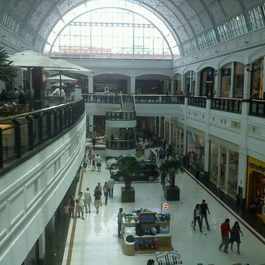 Photo taken at Shopping Iguatemi by Ricardo G. on 1/2/2012