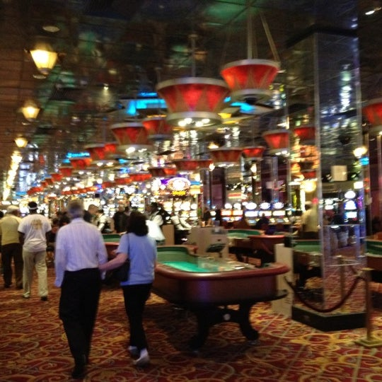 Photo taken at Bally's Casino & Hotel by Rusty H. on 8/28/2012