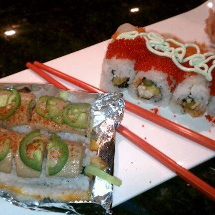 Photo prise au Sushi O Bistro par Tamara N. le1/27/2012