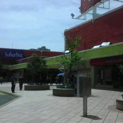 Foto tomada en Plaza del Sol por Roberto A. el 9/22/2011