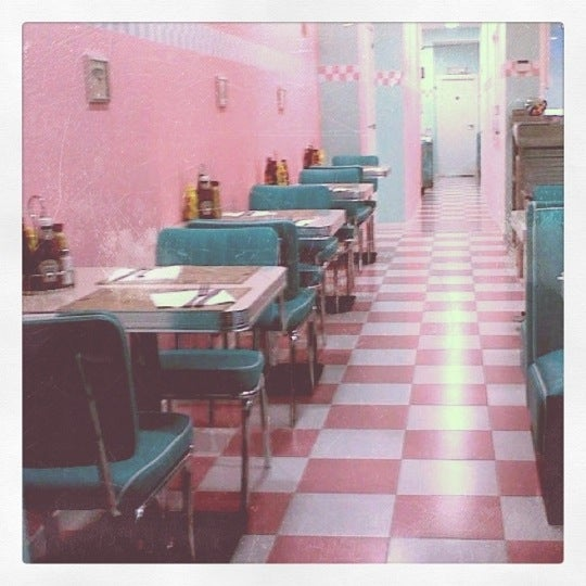 Photo taken at Peggy Sue's by Sil B. on 8/18/2011