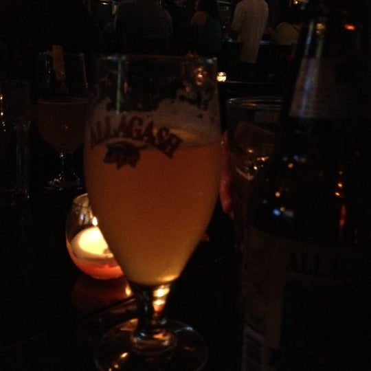 Photo taken at Amsterdam Ale House by Luciana L. on 7/22/2012