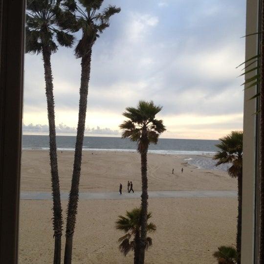 รูปภาพถ่ายที่ Casa Del Mar Hotel โดย Jerome M. เมื่อ 4/12/2012