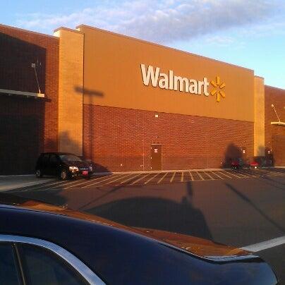 Снимок сделан в Walmart Supercenter пользователем MsTricey_ 1. 9/9/2012