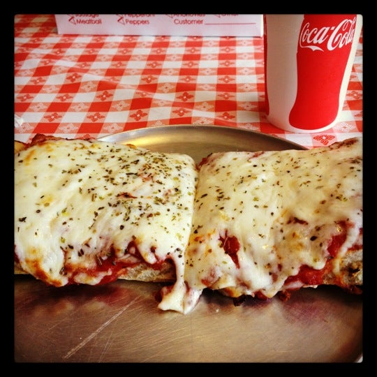 Photo taken at MamaDellas N.Y. City Pizzeria by Jaime T. on 9/11/2012