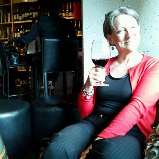 รูปภาพถ่ายที่ Blanc et Rouge โดย John B. เมื่อ 5/10/2012