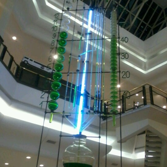 Photo taken at Shopping Iguatemi by Juliana T. on 9/9/2012