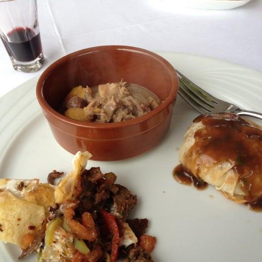3/28/2012 tarihinde chaltham a.ziyaretçi tarafından Matbah Restaurant'de çekilen fotoğraf