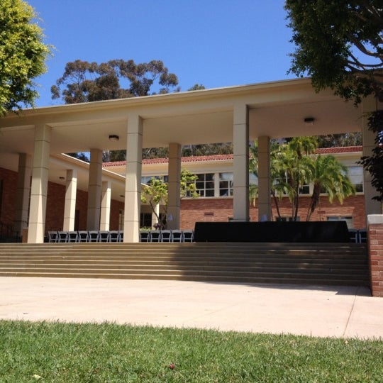 Ucla Perloff Hall College Academic Building In Westwood