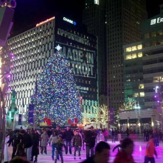 Photo taken at Campus Martius by Hans H. on 11/18/2012