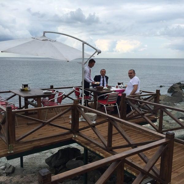 7/27/2016 tarihinde Halil Aydoğanziyaretçi tarafından Taçmahal Et Balık Restorant'de çekilen fotoğraf