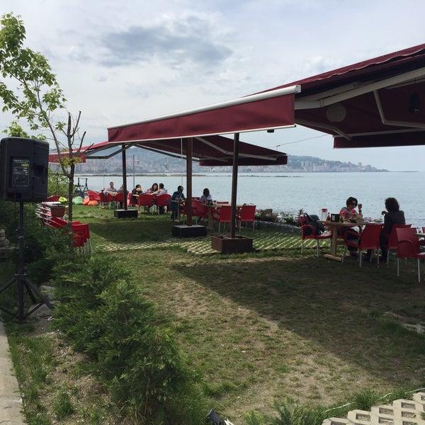 4/26/2016 tarihinde Halil Aydoğanziyaretçi tarafından Taçmahal Et Balık Restorant'de çekilen fotoğraf