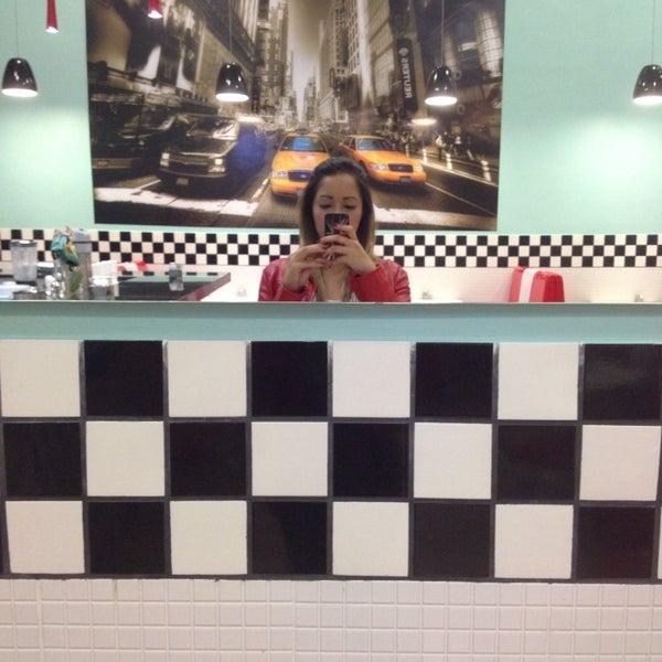 Depois de uma prova como o Enem, nada melhor do que comer no the new Jack. Hambúrguer delicioso e ambiente acolhedor.