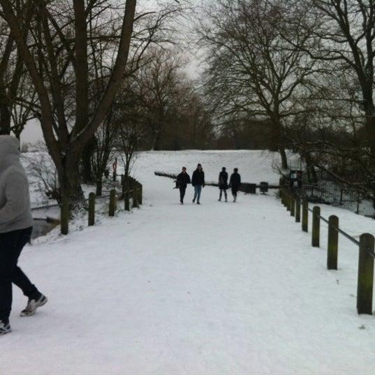 1/18/2013 tarihinde Natasha R.ziyaretçi tarafından Hampstead Heath'de çekilen fotoğraf
