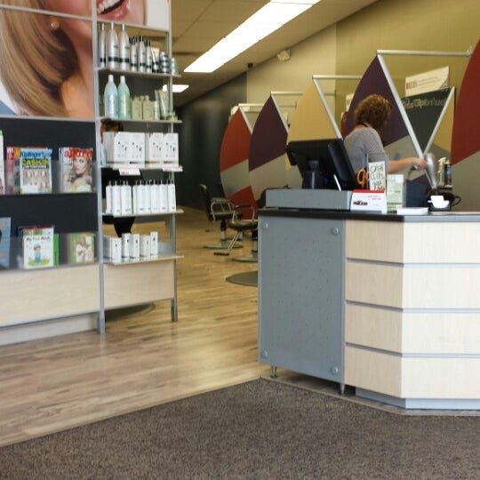 Great Clips - Salon / Barbershop
