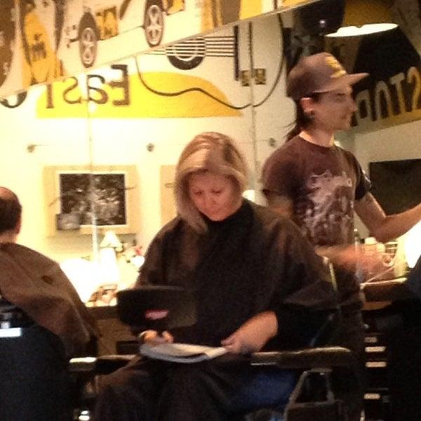 Barber Austin : Birds Barbershop - Salon / Barbershop in Austin