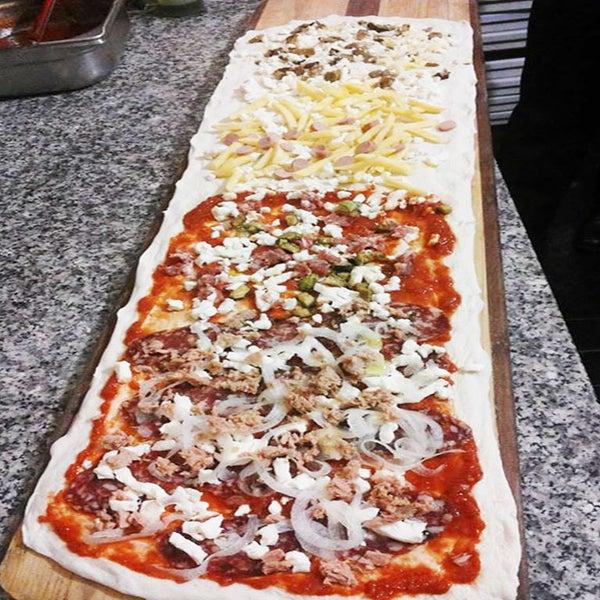 Il ristorante Vi accoglie con cortesia e disponibilità e offre soprattutto una cucina mediterranea, fatta di piatti genuini,Ideale luogo per cerimonie e ottima pizzeria ,con un giardino incantevole,