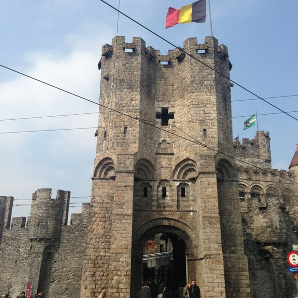 Photo taken at Castle of the Counts by Energetic  GOD on 4/4/2013
