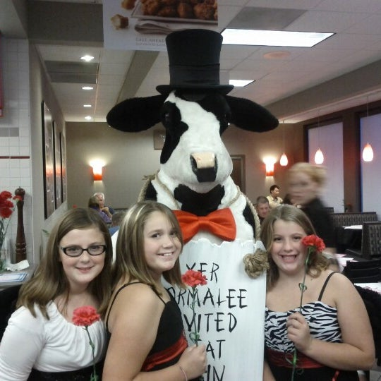 Photo taken at Chick-fil-A by Brian R. on 9/15/2012