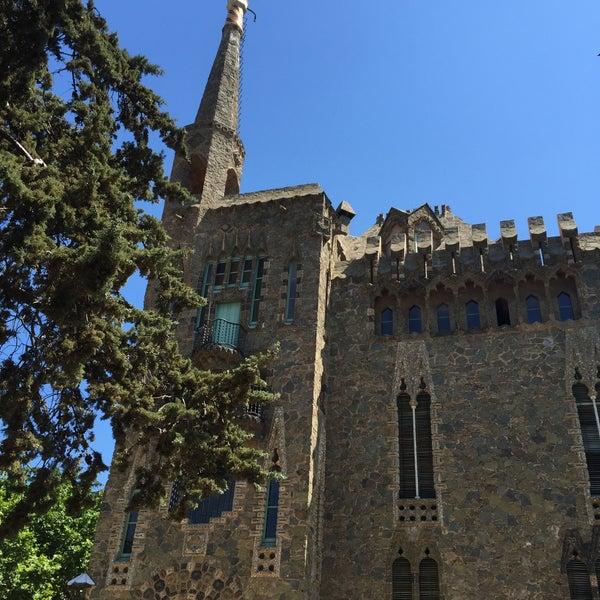 Foto tomada en Torre Bellesguard por Pilar F. el 7/22/2015