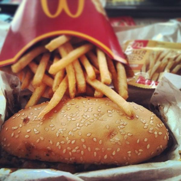 Photo taken at McDonald's by Felita P. on 2/10/2013