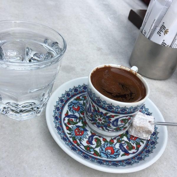 5/19/2017 tarihinde Yasemin O.ziyaretçi tarafından Mihri Restaurant & Cafe'de çekilen fotoğraf
