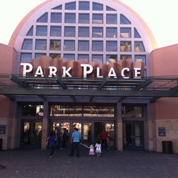 If you have your heart set on staying within 2 miles of Park Place Mall, there are 11 accommodation options to consider. Only miles away is the DoubleTree Suites by Hilton Tucson - Williams Center.