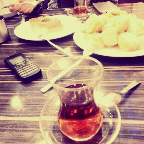 Photo taken at Demiryas Pastanesi by Emre E. on 12/19/2014