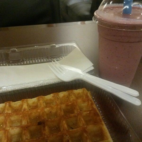 Photo taken at Wanda's Belgian Waffles by J. Pablo V. on 6/22/2015