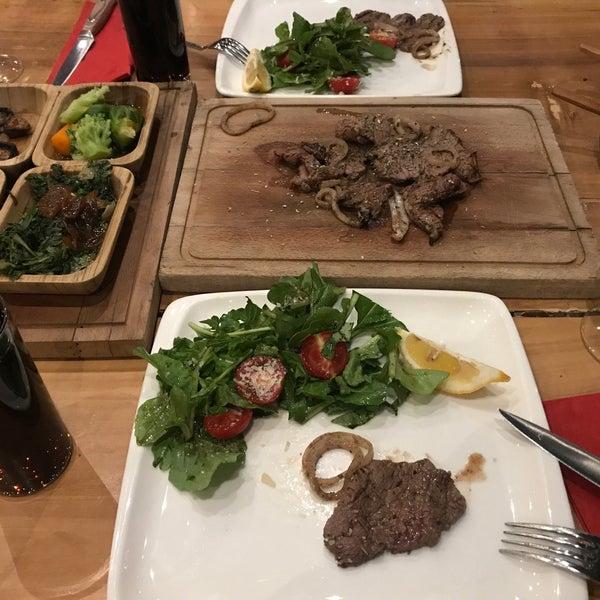 7/22/2018 tarihinde Kaan T.ziyaretçi tarafından Assado Steak House'de çekilen fotoğraf