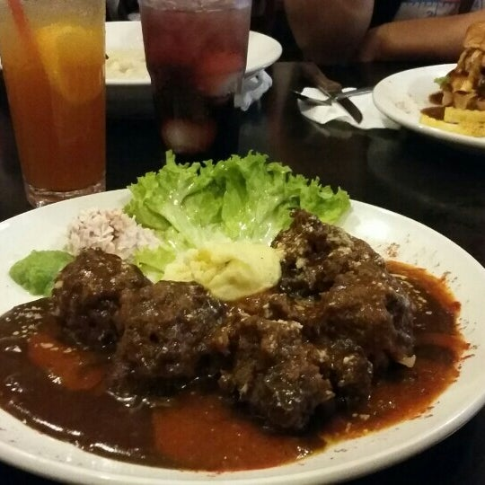 Photo taken at Brotherhood Western&Grill by Nurul A. on 2/20/2016