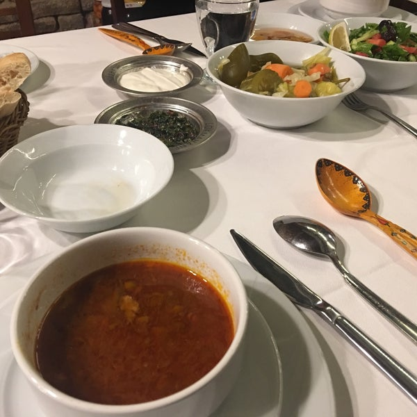 11/23/2017 tarihinde Yavuz B.ziyaretçi tarafından Lokmahane Restaurant'de çekilen fotoğraf