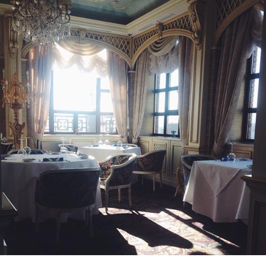 Утро в ресторане Melchior на 11 этаже Отеля Аксельхоф
