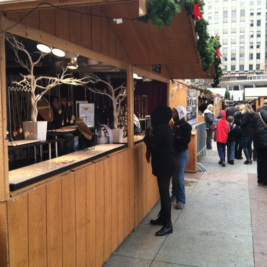 Das Foto wurde bei Christmas Village von Sherry K. am 12/1/2012 aufgenommen