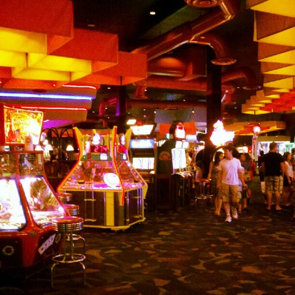 Dave and Buster's Happy Hour Specials. Dave and Busters restaurants and game centers have some of the best happy hour deals around. It really makes sense to arrive a little and stock up on 50% drinks, if you planning to have dinner.