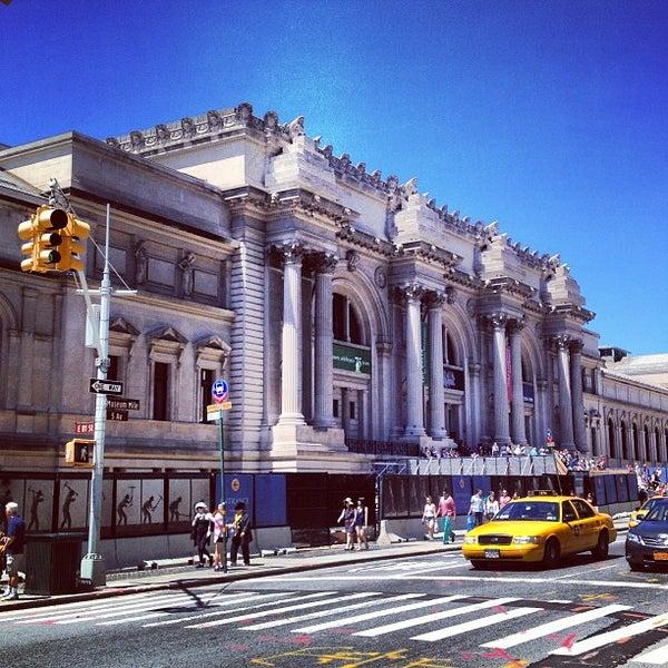 Photo taken at Metropolitan Museum of Art by Chayapol K. on 7/15/2013