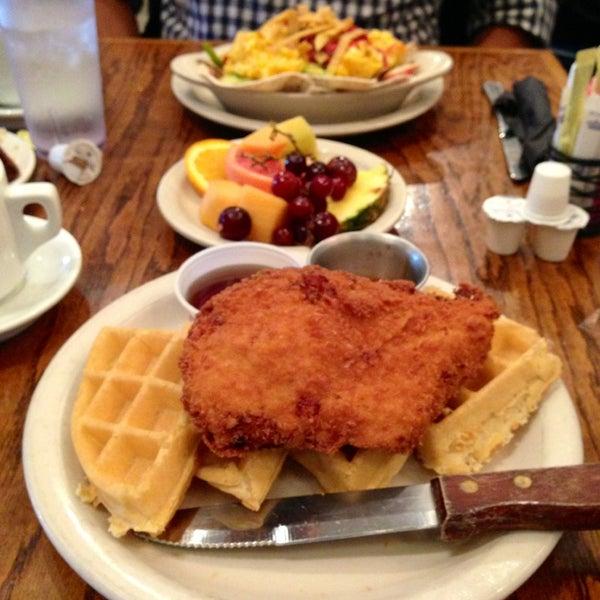 Photo taken at Bread Winners Café & Bakery by Tiffany O. on 3/23/2013