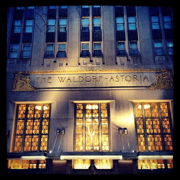 Photo taken at Waldorf Astoria New York by Manny G. on 1/29/2013