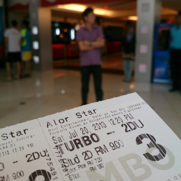 Photo taken at Big Cinemas by Fadzuan T. on 7/20/2013